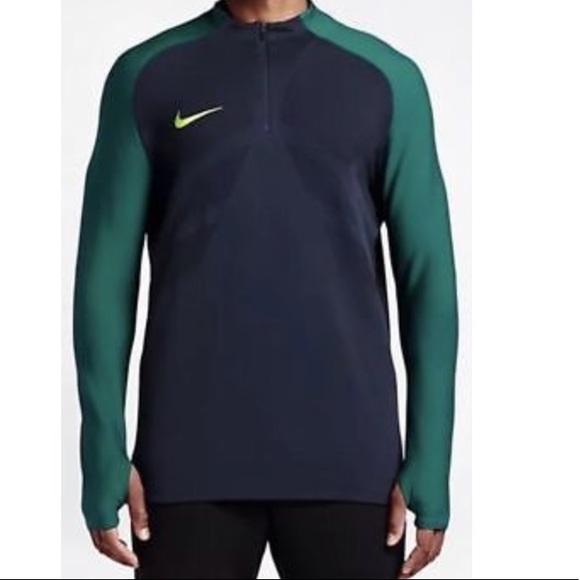 709537fd NIKE AEROSWIFT Medium Athletic Performance Shirt. M_5a5f4c896bf5a683246b2006